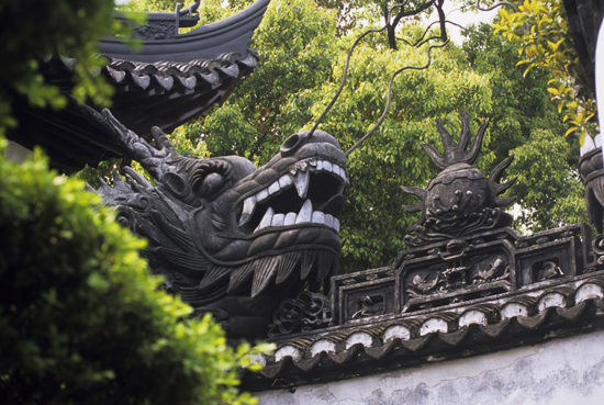 The much-copied dragon-topped wall and the carved stone bridges and walkways are highlights of the garden. A copy of the dragon wall was donated to the Garden of Friendship in Sydney's Darling Harbour on the occasion of the Australian Bicentenary in 1988. Photo - Gettyimages.com